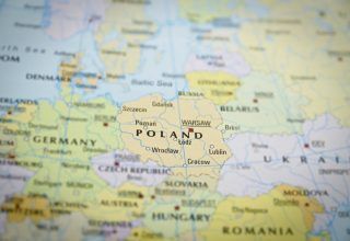Major Polish Bank Adopts Blockchain Technology