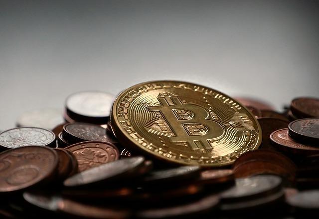 Bitcoin Struggles at Psychological Barrier